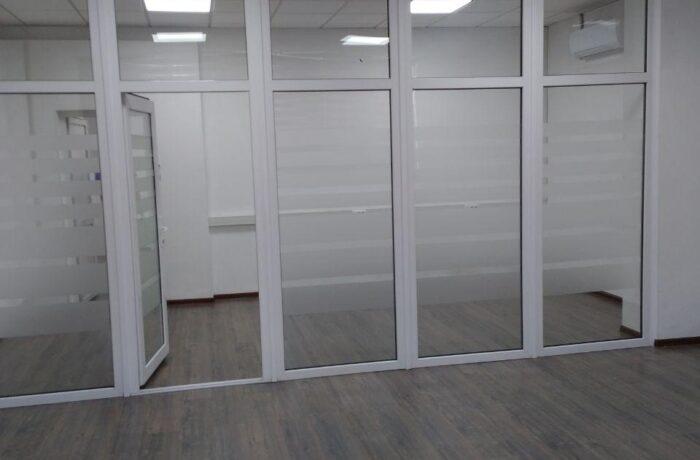 Снять офис 2 комнаты 60 кв.м на ул.Нукусская в Ташкенте